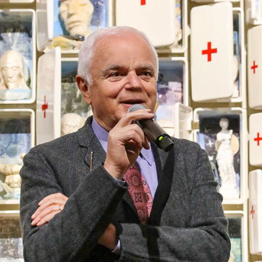 Franco Stefani at the opening of the Museo Bertozzi & Casoni